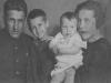 Виктор Левченко с семьей